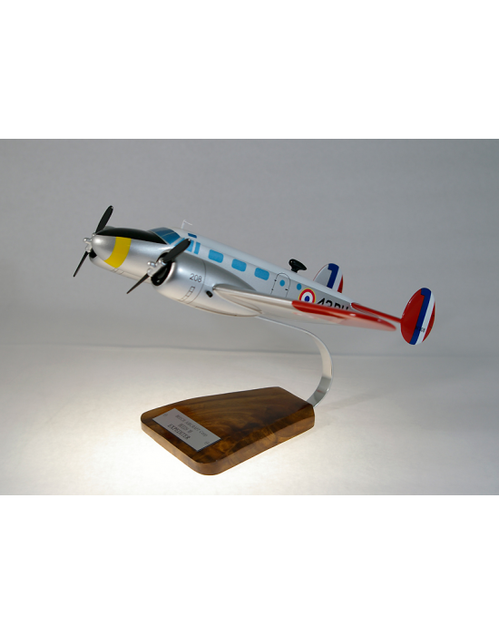 maquette avion beech aircraft 18 expediter en bois. Black Bedroom Furniture Sets. Home Design Ideas