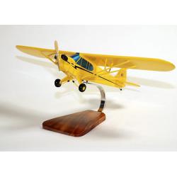 Maquette avion du Piper Cub en bois