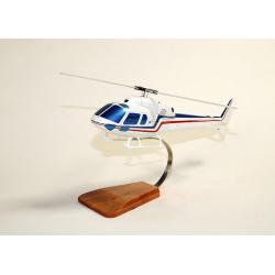 Maquette bois de l'hélicoptère Ecureuil II AS355 Civil