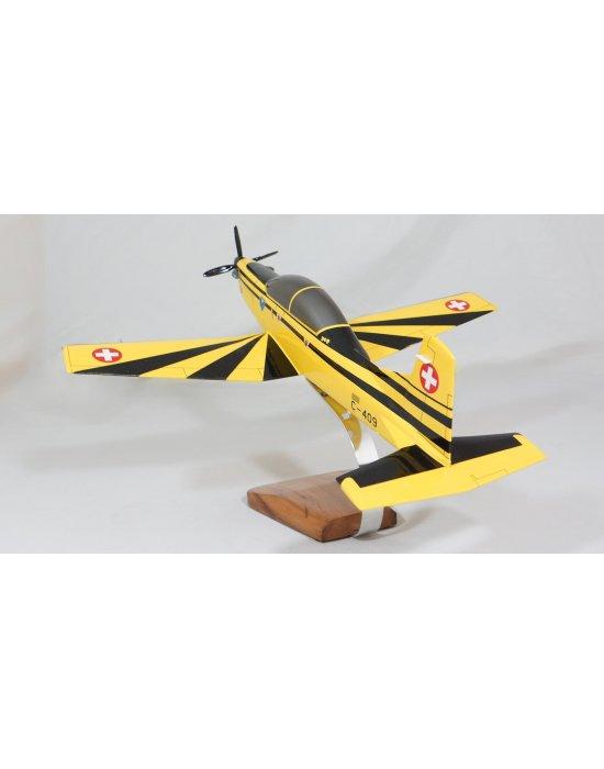 Maquette avion Pilatus PC9 en bois  Merespace
