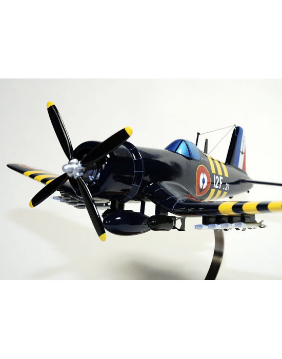maquette avion du corsair f4u 7 french navy vought en bois. Black Bedroom Furniture Sets. Home Design Ideas