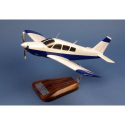 Maquette avion Piper PA-28 Arrow II en bois
