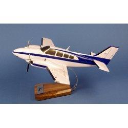 Maquette avion Beech 58 Baron en bois