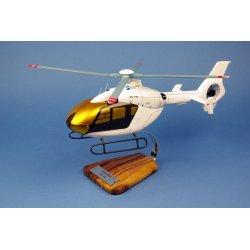 Maquette hélicoptère EC-135 en bois