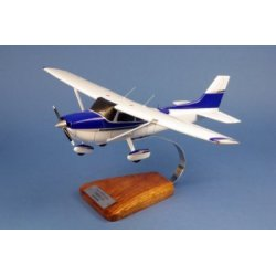(Prochaine arrivée fin janvier 2019) Maquette avion Cessna 172 Skyhawk en bois