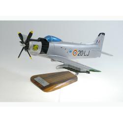 Maquette avion Douglas Skyraider AD 4N Aures Nementcha